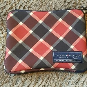 Tommy Hilfiger iPad pouch